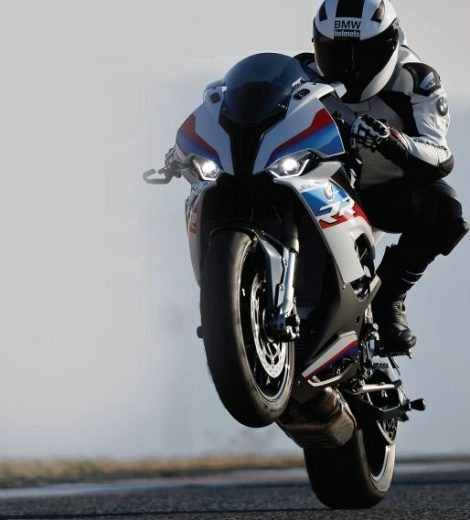BMW S 1000 RR The art of speed- By Somnath Chatterjee