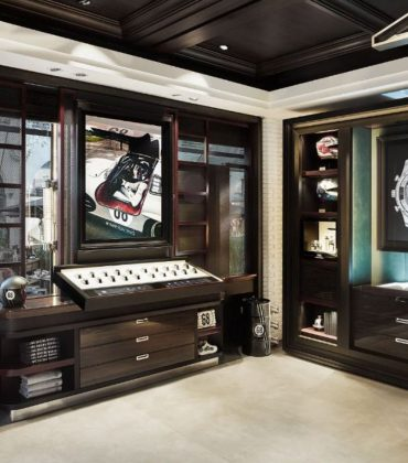 New Boutique Concept For Zurich Celebrates IWC's Racing Heritage